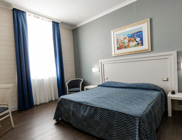 hotel_giancola-stanze-matrimoniale_letto